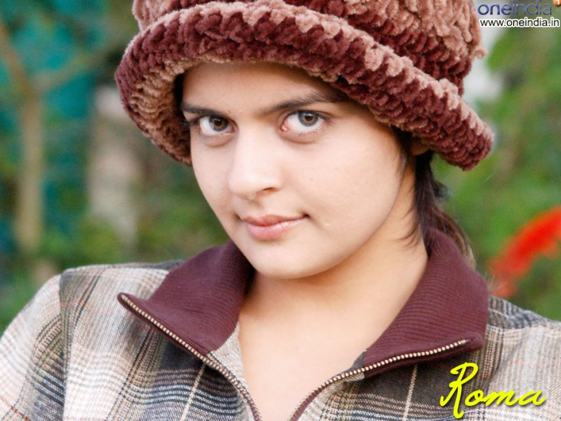 Malayalam Actress Roma Blue Pictures