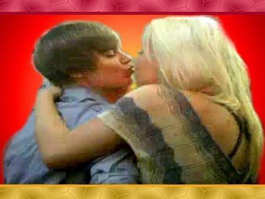 Boy girl hot kissing video